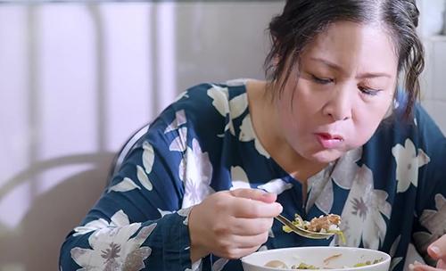 Lén ăn vụng sau bếp, bà Mai bị mẹ chồng phát hiện #GNGT Tập 44